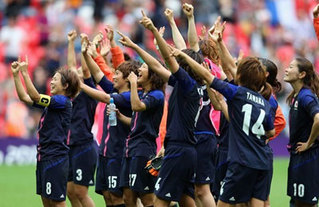 japan_foorball_team-middle