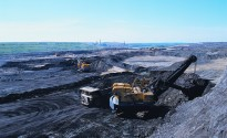 Oil_sands_open_pit_mining