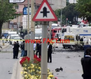 1465435086_turkey-suicide-bombing-istanbul-police-sancaktepe-district-debris